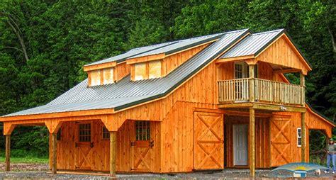 horse barns high profile   dormers overhang  living quarters  pajpg
