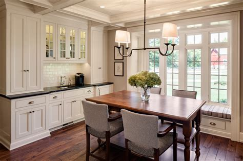 Esszimmer Renovieren Ideen by 1800s Farmhouse Remodel Farmhouse Dining Room
