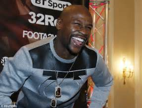 Floyd Mayweather shows he's in the mood for Conor McGregor ...