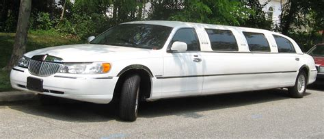 Town Car Limousine Service by How Easy Is It To Start A Limousine Company Littlegate