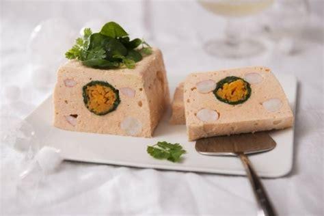 cours de cuisine avec un grand chef étoilé recette de terrine de saumon et gambas aux petits légumes