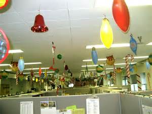 Easy Cubicle Christmas Decorating Ideas by Christmas Decorations For Office Christmas Decorations