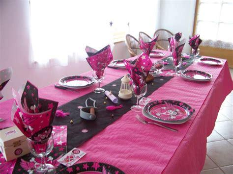 idee decoration de table bapteme fille
