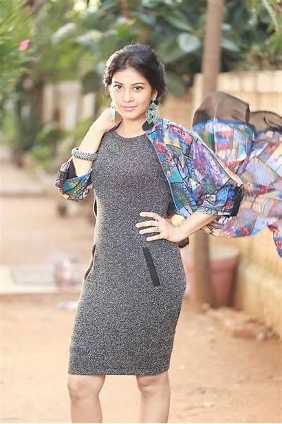 Actress Sshivada Nair Malayalam Latest Shivada Wallpapers