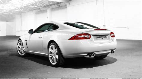 Jaguar Xkr 2010 Back Pose In White Wallpaper