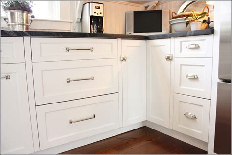 cabinet pulls on cabinets drawer pulls for kitchen cabinets with cabinet knobs and