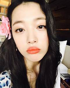 See the latest selfies from Choi Sulli - Wonderful Generation