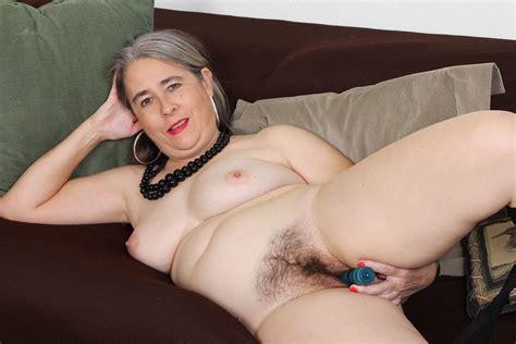 American Gilf Kelli Starts Toying Her Hairy Pussy Porn 69