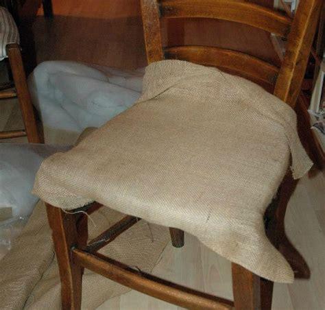 tapisser une chaise en tissu tuto chaises ou comment retapisser une chaise en paille ou