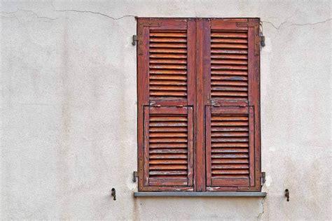 persiana in legno il restauro delle persiane in legno ristruttura con made