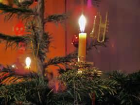 file candle on christmas tree 2 jpg wikimedia commons