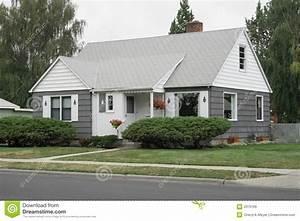 la maison blanche grise et images libres de droits image With maison grise et blanche