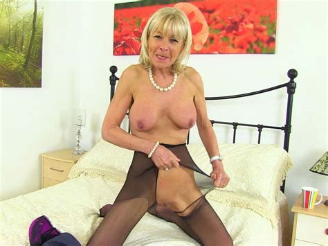 Uk Gilf Elaine Pleasures Her 60 Year Old Clit With A Sex