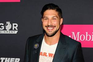 Schaub suggests FOX hired 'all-black' UFC panel to 'check ...