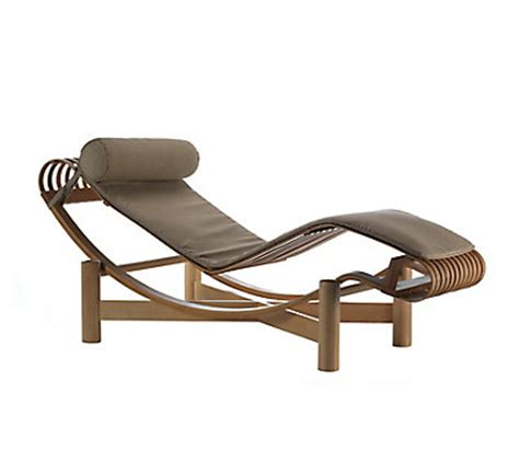 chaise longue rotin lc4 chaise longue design within reach