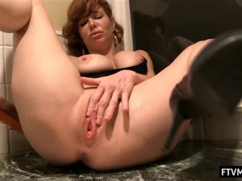 Mature Milf Anal In The Bathroom Video Porno Gratis