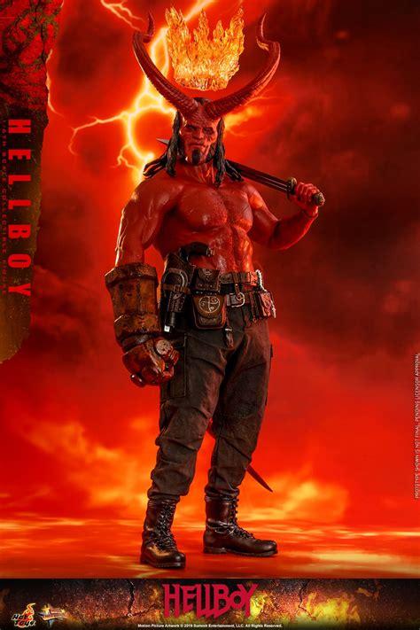 hot toys  scale hellboy  figure revealed