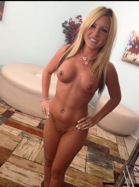 Hot nude milfs-xxx pics