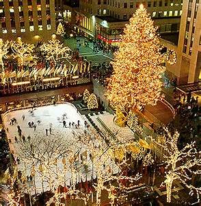 Christmas Tree Decoration Ideas In New York 2017 11