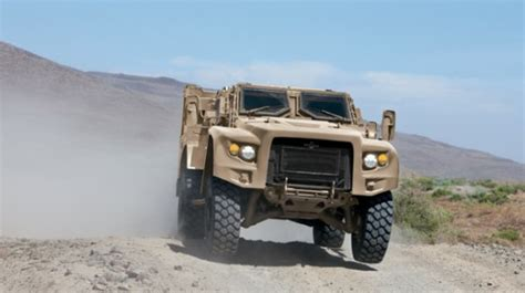 humvee replacement new military vehicle to replace humvee www imgkid com