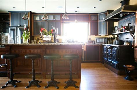 How To Decorate Your Kitchen Using Victorian Elements