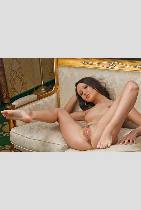 Download photo 1680x1050, gabriel a, brunette, nude, naked, tits, pussy, spreading, legs ...