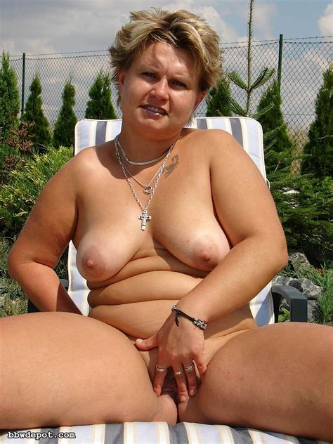 Nasty amateur mature Moli is fucking young cock outdoors - Pichunter