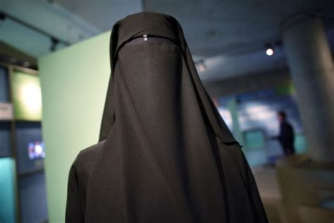 Bulgaria Bans Full-Face Veils In Public Places - Opposing ...