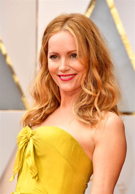 Leslie Mann in yellow taffeta at the 2017 Oscars