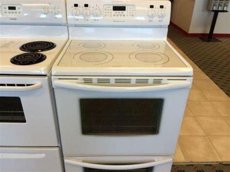 frigidaire gallery white smooth top range stove oven   sale  tacoma washington
