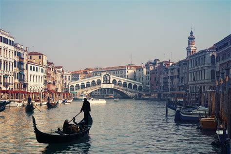Asta Venezia Le Opere D Arte Di Venezia Potrebbero Andare All Asta Per