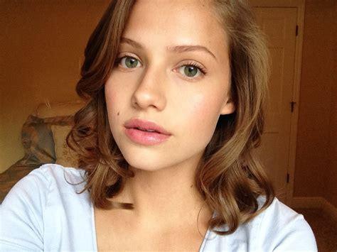 the makeup light light summer makeup tutorial