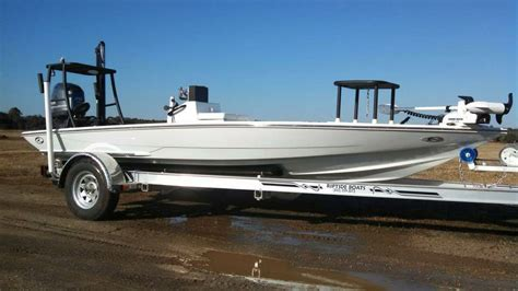 Riptide Flats Boats by 2015 Riptide Custom Flats 18 The Hull Boating
