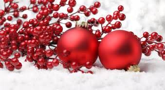 red decorations on the snow on christmas wallpapers and images wallpapers pictures photos