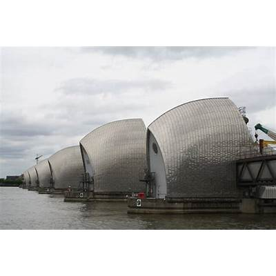 Shadows & Light: Thames Barrier