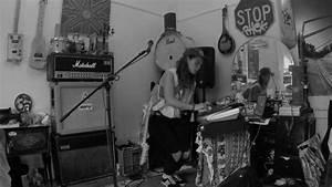 Tash Sultana - Synergy  Live Bedroom Recording  Chords