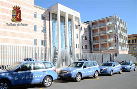 Questura Di Ufficio Armi by Polizia Gli Orari Dell Ufficio Passaporti Armi E Licenze