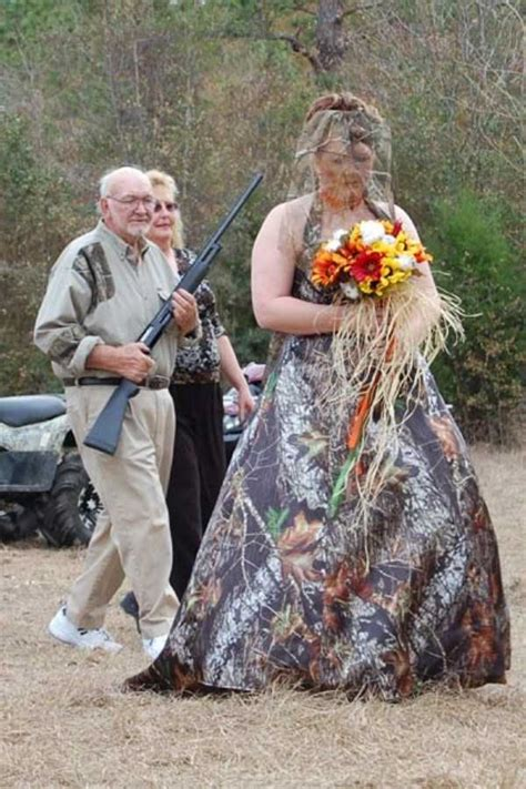 Redneck-Style Weddings (35 photos) | KLYKER.COM