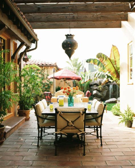 Amazing And Awesome Outdoor Dining Spaces Ideas - Interior