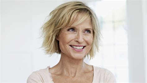 The Best Short Haircuts For Older Women
