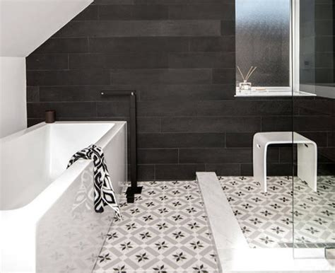 Simple Black And White Bathroom Floor Tile Design