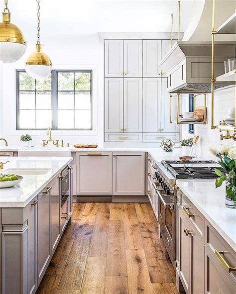 gray wood kitchen cabinets de 25 bedste idéer inden for grey cabinets på pinterest