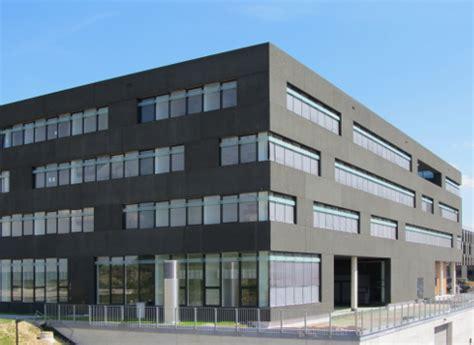 file dans ton bureau nouveau bâtiment de recherches citec doté d une façade en béton architectural massif