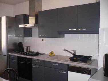 peindre meuble cuisine mélaminé la peinture carrelage au secours du home staging cuisine
