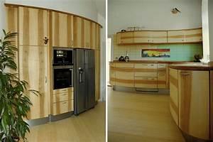 Küche Mit Elektrogeräten Und Spülmaschine : runde k che mit insel und schr nken ~ Bigdaddyawards.com Haus und Dekorationen
