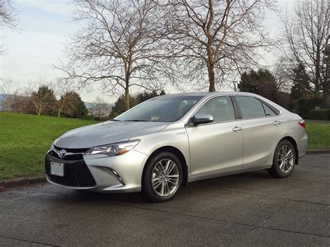 Toyota Camry 2015 Hybrid by 2015 Toyota Camry Hybrid Se Road Test Review Carcostcanada