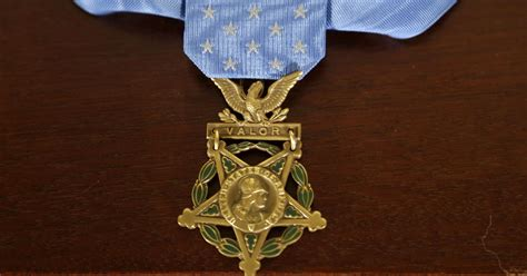 of honor taliban hostage rescue earns navy seal medal of honor