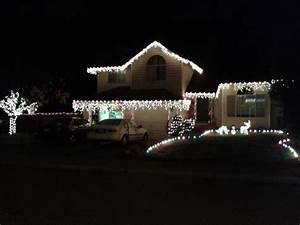 Simple ways to save money on christmas decorations