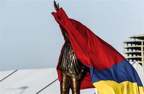 Zbídačená Venezuela v izolaci. Z ropného gigantu je černá ...