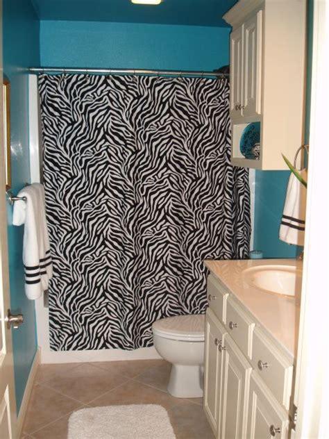 zebra bathroom decorating ideas 25 best ideas about zebra bathroom decor on pinterest zebra bathroom zebra print bathroom